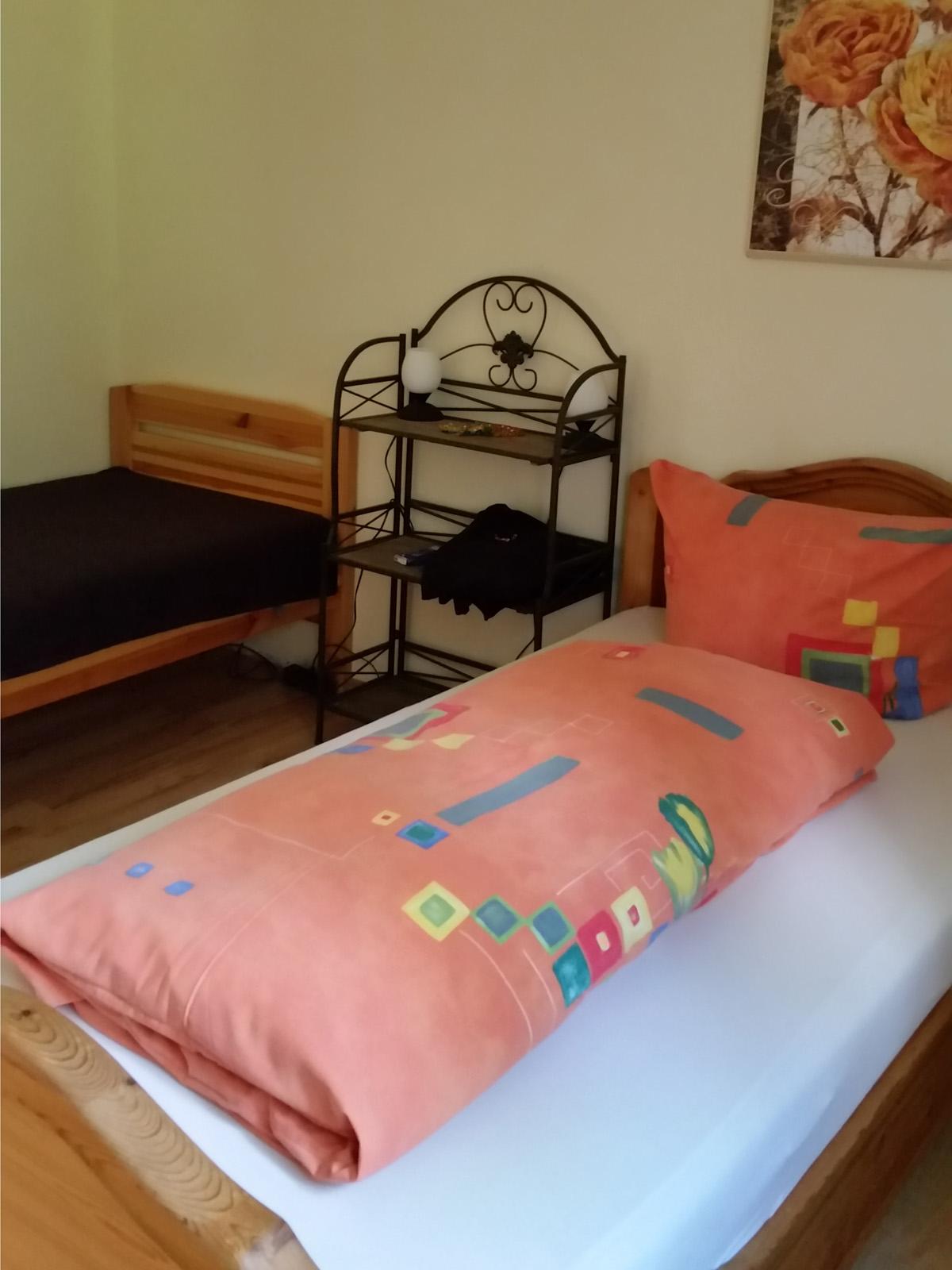 Schlafzimmer Der Ferienwohnung Blumenparadies Welz